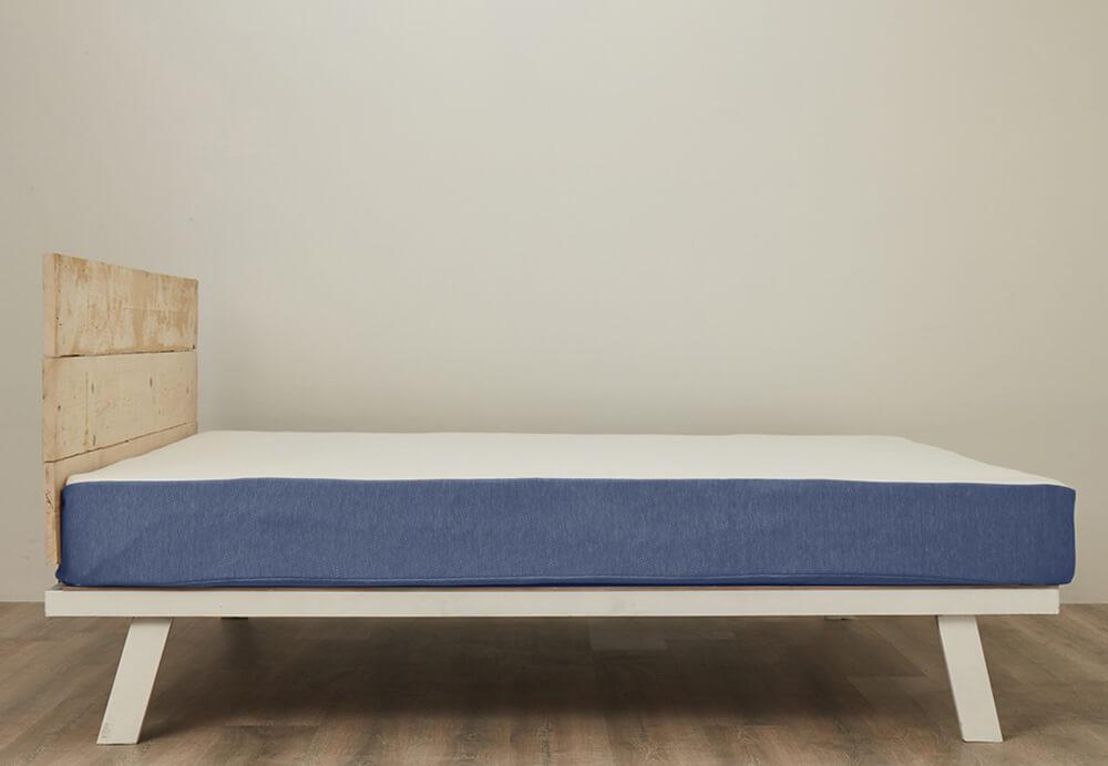 Queen Bed Mattress.jpg